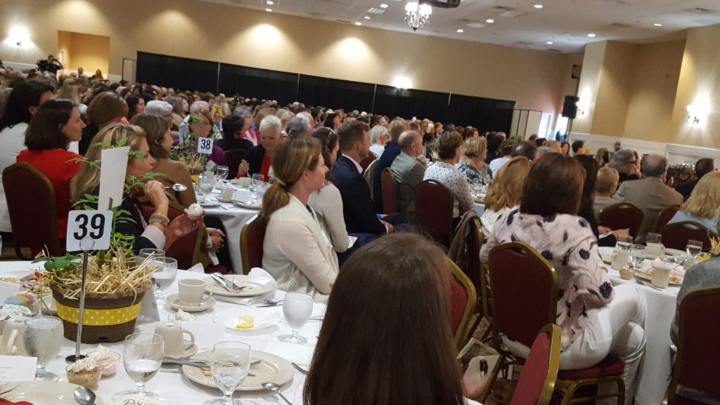2017 Power of the Purse sold-out crowd _ JPS accounting firm gold sponsor